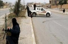 داعش دختران زیبا را به آتش می کشد