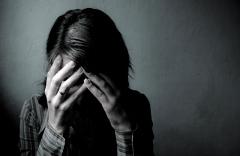 دختر ایرانی از آزار بی رحمانه دو پسر جوان جلوی چشم همسر آینده اش می گوید
