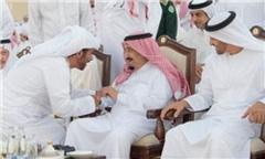 اهانت شدیداللحن شاعر عرب به ایران پیش چشم پادشاه عربستان