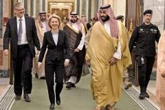 جنجال بر سر شلوار وزیر زن آلمانی در عربستان