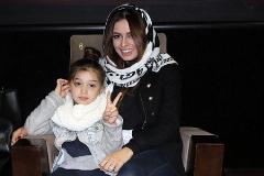گزارش تصویری: بنیامین با همسر و دخترش در سینمای مطرح شهر