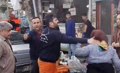 حرف های تکان دهنده زن دستفروش فومنی که از مامور شهرداری سیلی خورد