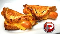 این ساندویچ ساده خوشمزه ترین ساندویچ دنیاست؛ آموزش تهیه هات داگ پنیری با نان تست