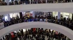 ویدئوی خودکشی در مرکز خرید ارگ