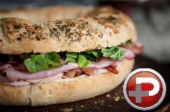 این ساندویچ هیجان  انگیز  را می توانید در 3 سوت تهیه کنید؛ آموزش تهیه ساندویچ ژامبون ایتالیایی با کمترین مواد اولیه
