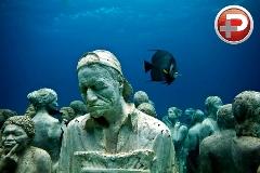 برای دیدن این موزه باید غواصی بلد باشید! / ویدیویی از بزرگترین موزه در زیر اقیانوس با مجسمه های انسانی