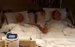 عکس این زن و شوهر هنگام مرگ عاشقانه ترین لحظه یک زندگی را به تصویر کشید