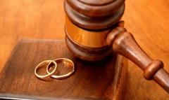 همسر فوتبالیست سرشناس در دادگاه/او به من خیانت کرده است/روایت تلخ زندگی زنی که از ازدواج با یک فوتبالیست پشیمان است