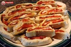 اگر رژیم دارید قید این غذای سوپر لذیذ را بزنید! / آموزش تهیه نان پپرونی با کلی پنیر