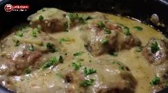 شیوه ای جدید و باحال برای تهیه خوراک مرغ؛ آموزش طبخ خوراک مرغ با سُس مخصوص شیر و آرد