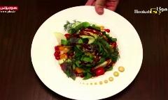 یک سالاد ساده, خوشمزه و متفاوت برای آن هایی که بخاطر تناسب اندام فقط از غذاهای گیاهی و محصولات طبیعت استفاده می کنند/ گرین سالاد به سبک کافه هوکاجی