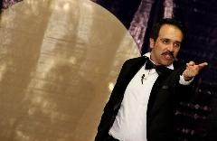 کمدین خندوانه: چرا برای مشهور شدن فقط تهران را داریم؟ / انتقادهای تند و تیز امیرکربلایی زاده از بها ندادن به تئاتر در ایران