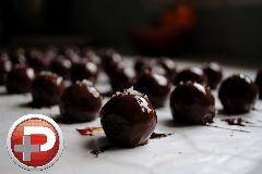 ترافل های شیک و خوشمزه، بهترین گزینه برای پذیرایی عید/ آموزش تهیه ترافل شکلاتی و کاراملی