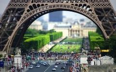 برج ایفل؛ هر آدم پیش از مرگ باید یک سلفی با او داشته باشد/تجربه هیجان انگیز پاریس گردی و برج سرشناس فرانسه از لنز تی وی پلاس