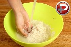 ویدیویی که شما را با حقایقی باورنکردنی از برنج رو به رو می کند/ از معجزه روی پوست تا نجات جان گوشی های سوخته موبایل!