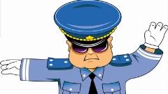پلیس پسر بچه را هنگام رانندگی با ماشین اسباب بازی جریمه کرد