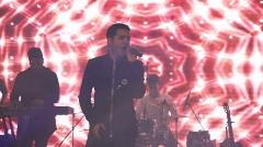 محسن یگانه هیت ترین آهنگش را در مهمانی خصوصی ستاره های بیزنس ایران خواند
