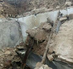تخریب حمام زنانه هنگام زلزله مشهد+فیلم