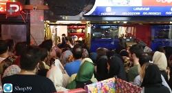 هجوم ناباورانه مادر و دخترهای تهرانی در نیاوران به بزرگترین حراجی شهر/کیف و کفش های نارون سه سوته تمام شد/قیمت های غیرمنتظره این برند ایرانی شوکه تان می کند! فقط 39 هزارتومان