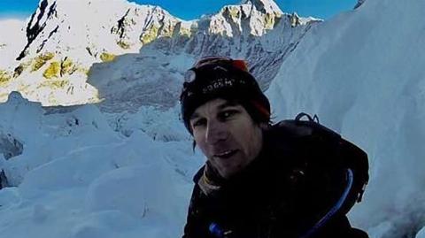 """کوهنوردی که برای فرار از جریمه به """"اورست"""" پناه آورد!"""