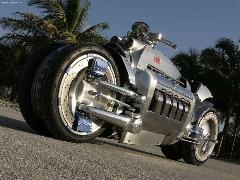 موتورسیکلت همه فن حریف/موتورسیکلتی سبک و همه کاره را میبینید که میتواند برای مقاصد نظامی مناسب باشد.