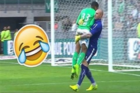 لحظات جذاب و خنده دار دنیای فوتبال