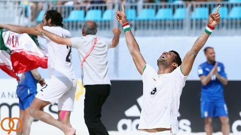 خلاصه فوتبال ساحلی ایران 5-3 ایتالیا/تمجید فیفا از تاریخ سازی فوتبال ساحلی ایران