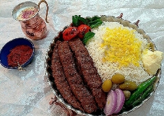 عجیب ترین کباب کوبیده تهران با سایزی که چشمانتان را گرد می کند/خان کباب یک متری این رستوران غوغایی کرده است/قسمت جدید برنامه پاتوق تی وی پلاس