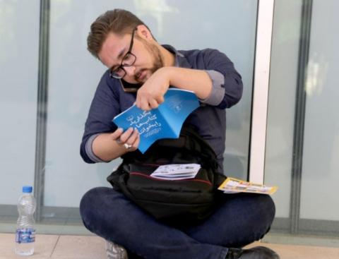پسری که ادعا می کند می خواهد انقلاب کند/ گزارش مردمی از حاشیه ها و اتفاقات نمایشگاه بین المللی کتاب
