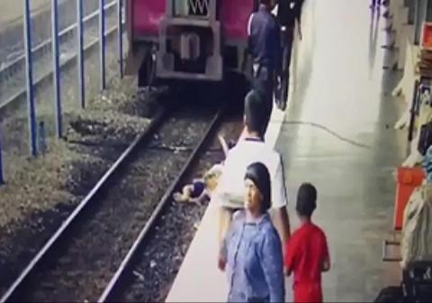 عاقبت پیاده شدن از قطار در حال حرکت