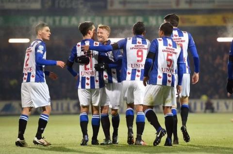 گل رضا قوچان نژاد در بازی مقابل زووله در لیگ هلند
