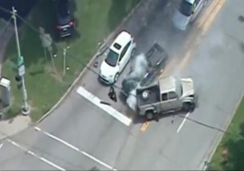 تصادف راننده متخلف پس از تعقیب و گریز با پلیس