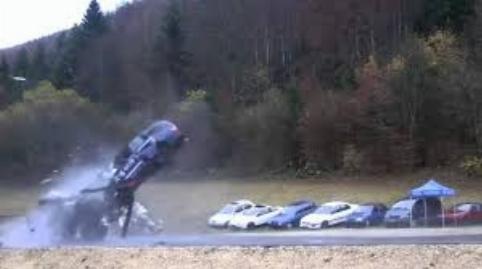 چه اتفاقی میافتد اگر با سرعت ۲۰۰ کیلومتر تصادف کنید؟