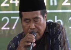 مرگ قاری قرآن حین تلاوت/یک قاری مالزیایی قرآن حین تلاوت جان به جان آفرین تسلیم کرد.