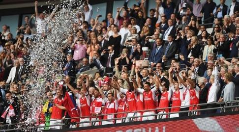 جشن قهرمانی آرسنال در جام حذفی انگلیس