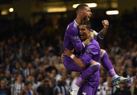 ۱۰ گل برتر لیگ قهرمانان اروپا در فصل ۱۷-۲۰۱۶