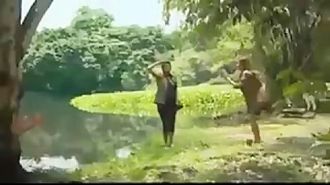 سرنوشت دردناک یک دختر که با دوستش برای تفریح به جنگل رفته بود در هنگام عکس گرفتن  غذای کروکدیل عظیم الجثه شد