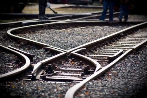 یک پدر و فرزند زیر قطار خودکشی کردند.