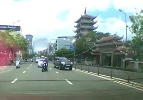 دو تصادف متوالی برای موتورسوار نگون بخت