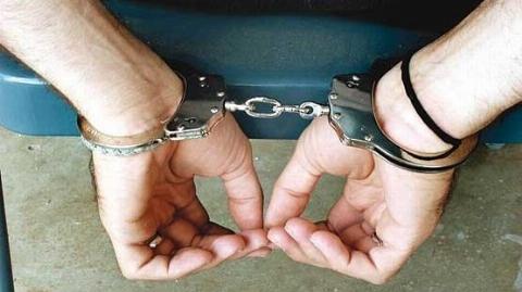 دستگیری دو شروری که به زور قمه، موتورشان را از پلیس پس گرفته بودند