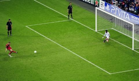 20 پنالتی حساس در فوتبال که منجر به گل نشدند!
