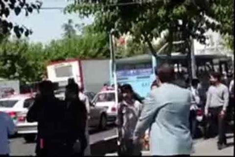 فرار مردم در پی تیراندازی در مجلس