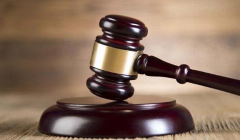 خودکشی دردناک  متهم قبل از ورود به دادگاه