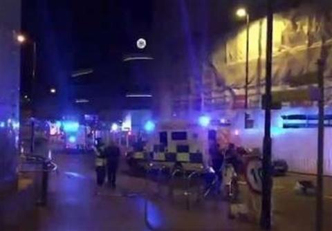 وحشت مردم از وقوع انفجار مهیب در کنسرت منچستر