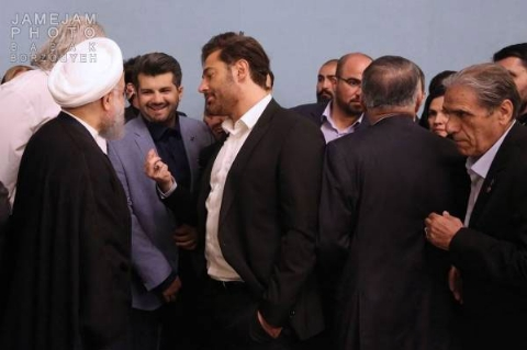 توضیح محمدرضا گلزار درباره عکسی که در دیدار با دکتر روحانی جنجال ساز شد