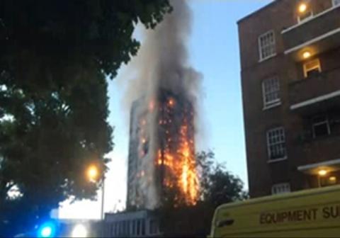 برجی مسلماننشین در لندن طعمه حریق شد