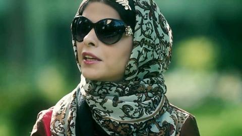 محمود احمدی نژاد فریاد معروف ترین دختر عاشق پیشه ایران را هم درآورد: هیچ وقت آن هشت سال را فراموش نمی کنم/عاشقی  ام را فریاد می زنم اما ازدواج نمی کنم/مریم حیدرزاده مهمان مادمازل تی وی پلاس
