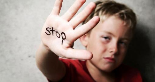 آزار و اذیت وحشیانه کودک 6 ساله توسط ناپدری | تی وی پلاس