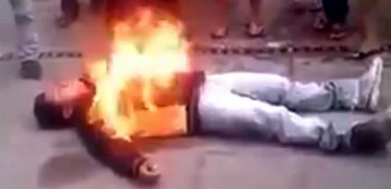 مردم دزد فریبکار را به آتش کشیدند + فیلم