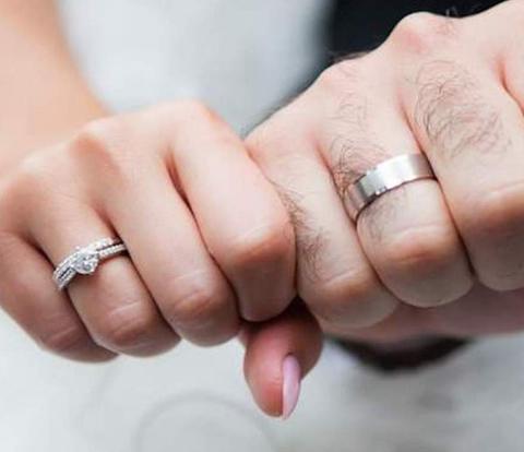 ازدواج ساختگى يه مرد با يه دختر بچه ١٢ ساله تو امريكا! واكنش مردم ديدنيه!
